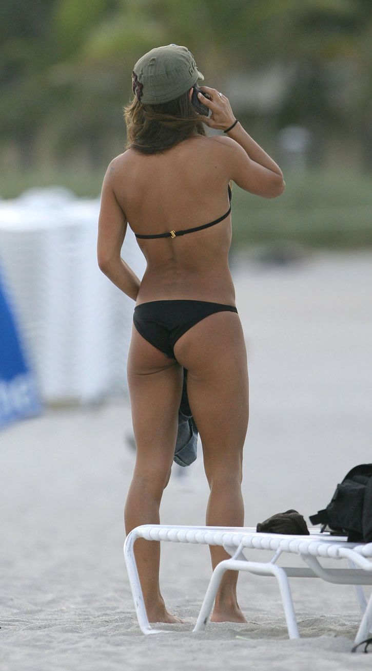 Kara Dioguardi erotic sexy bikini photos