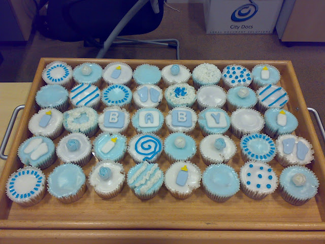 Domestic Fashionista: Baby Shower Cupcakes