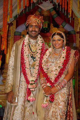 Jayalalitha and Shoban Babu http://earlytollywood.blogspot.com/2009/03/manchu-vishnu-vardhan-weds-veronica.html