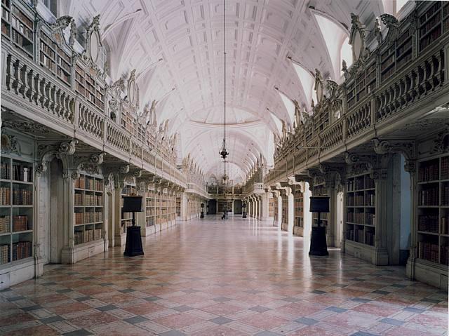 Imagem da Biblioteca do Convento de Mafra