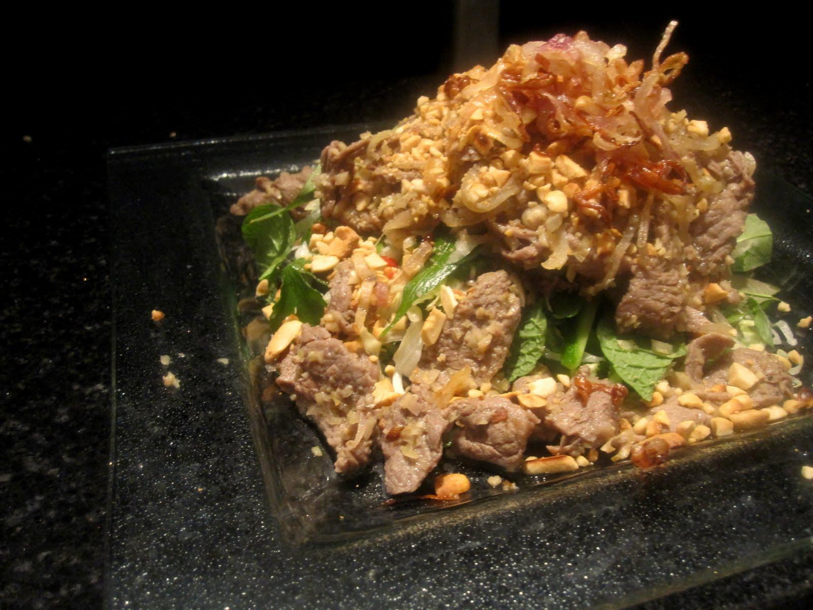 Bubbles n Squeaks: Vietnamese Lemongrass Beef on Vermicelli Salad
