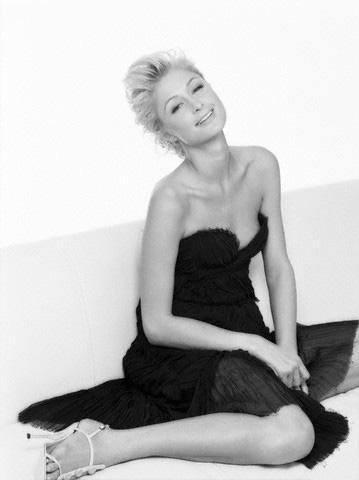 Paris Hilton 2010 2%5B1%5D.jpg