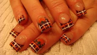 Nail Art: MAD FOR PLAID