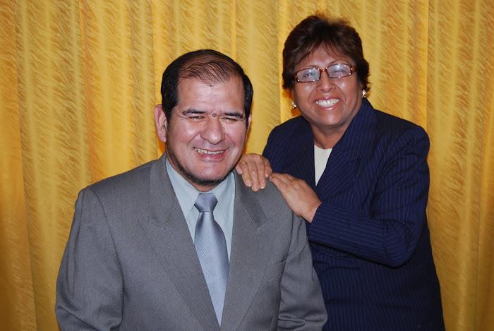 Pastores Luis y Marina Meléndez