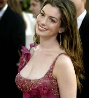 Golden Globe organisers apologises to Anne Hathaway