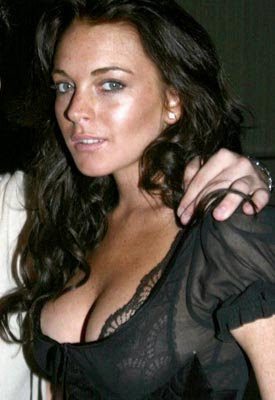 Lindsay Lohan shows interest in Leonardo DiCaprio