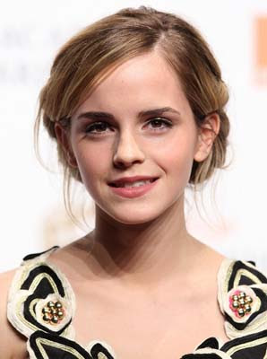 Sexy Emma Watson's Funny Screen Kiss