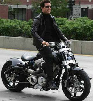Tom Cruise crashes motorbike into wall while making moves
