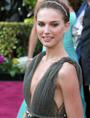 Natalie Portman left red-faced at awards ceremony
