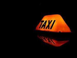 التوصيل-سيارات-الأجرة-التاكسي-التكاسي