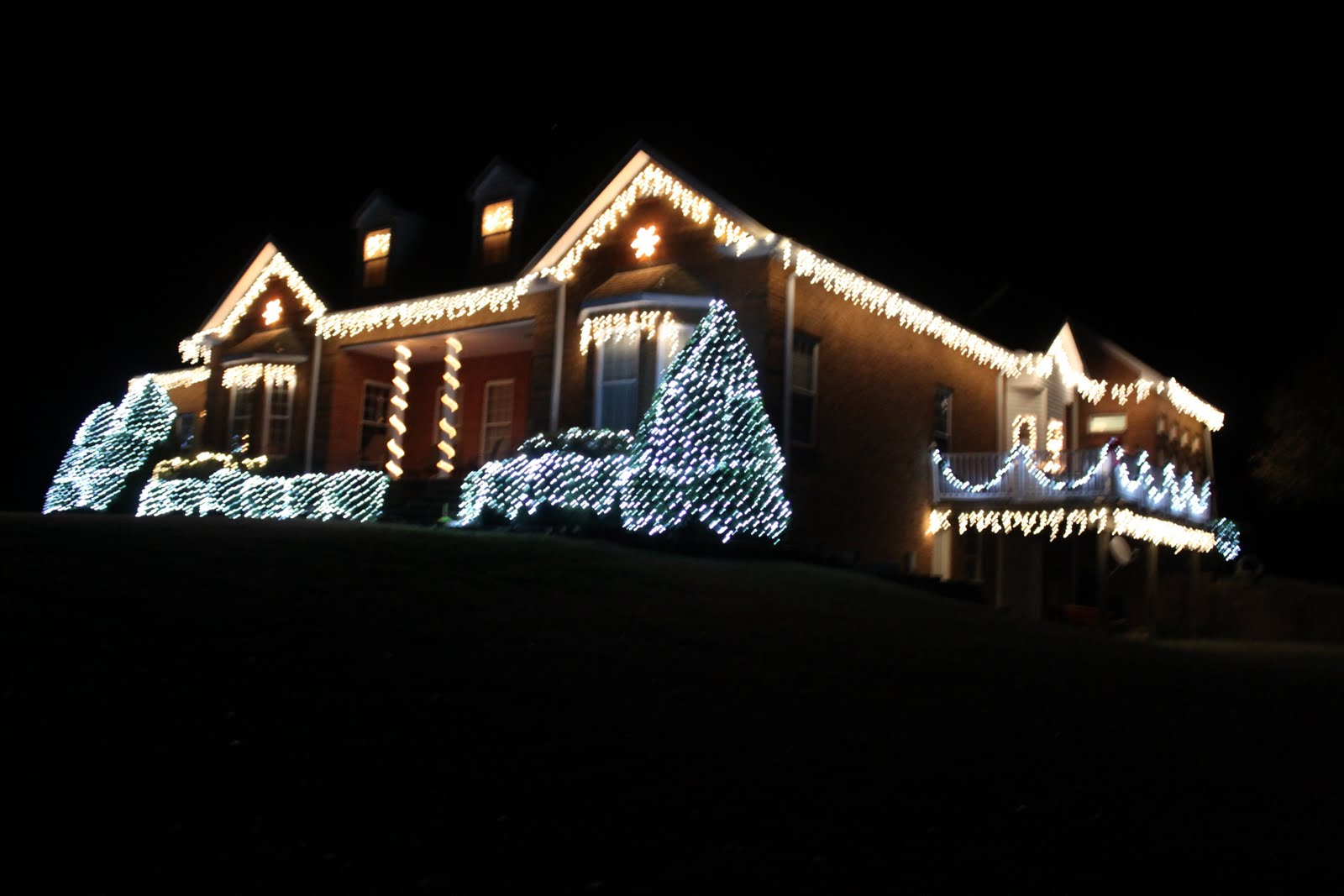 Life on Grandma's Hill: Christmas Lights