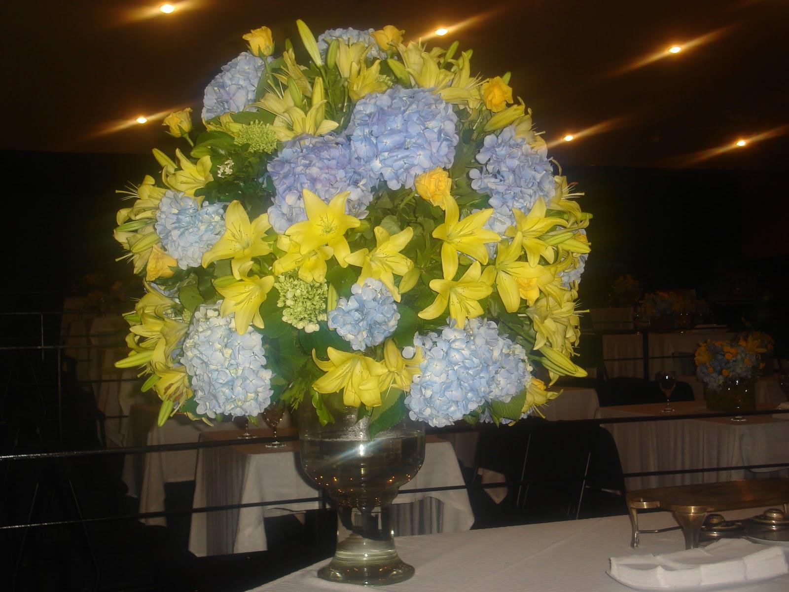 decoracao de igreja azul e amarelo : decoracao de igreja azul e amarelo:riodejaneiroflorista: Decoração floral azul e amarelo.