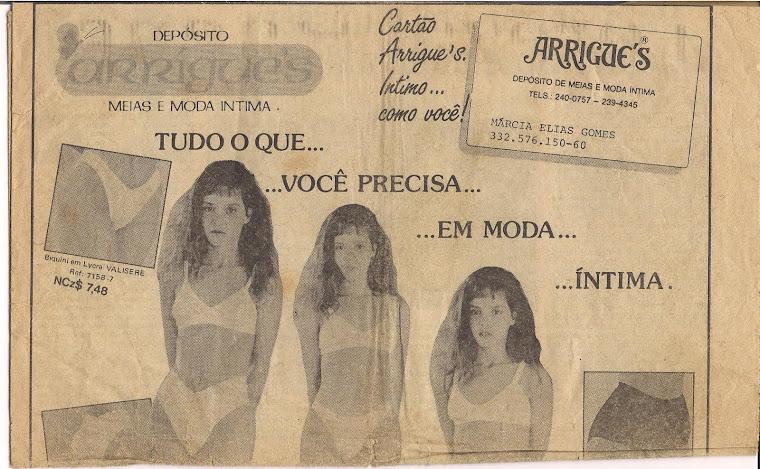 Eu fazendo propaganda para Arrigue's Moda Intíma no jornal o Dia