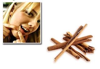 Asah sedikit kulit kayu manis atau ambil sedikit serbuk ...