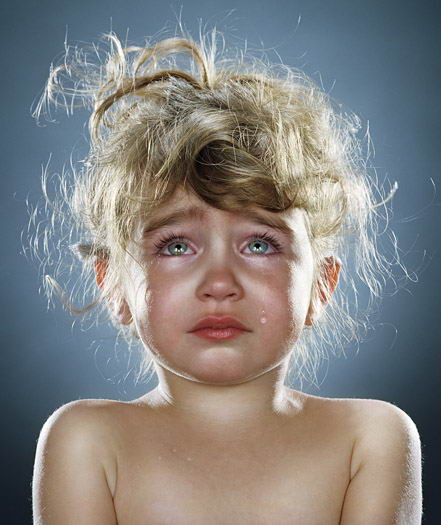 ver sad cute baby girl boy crying photos 04