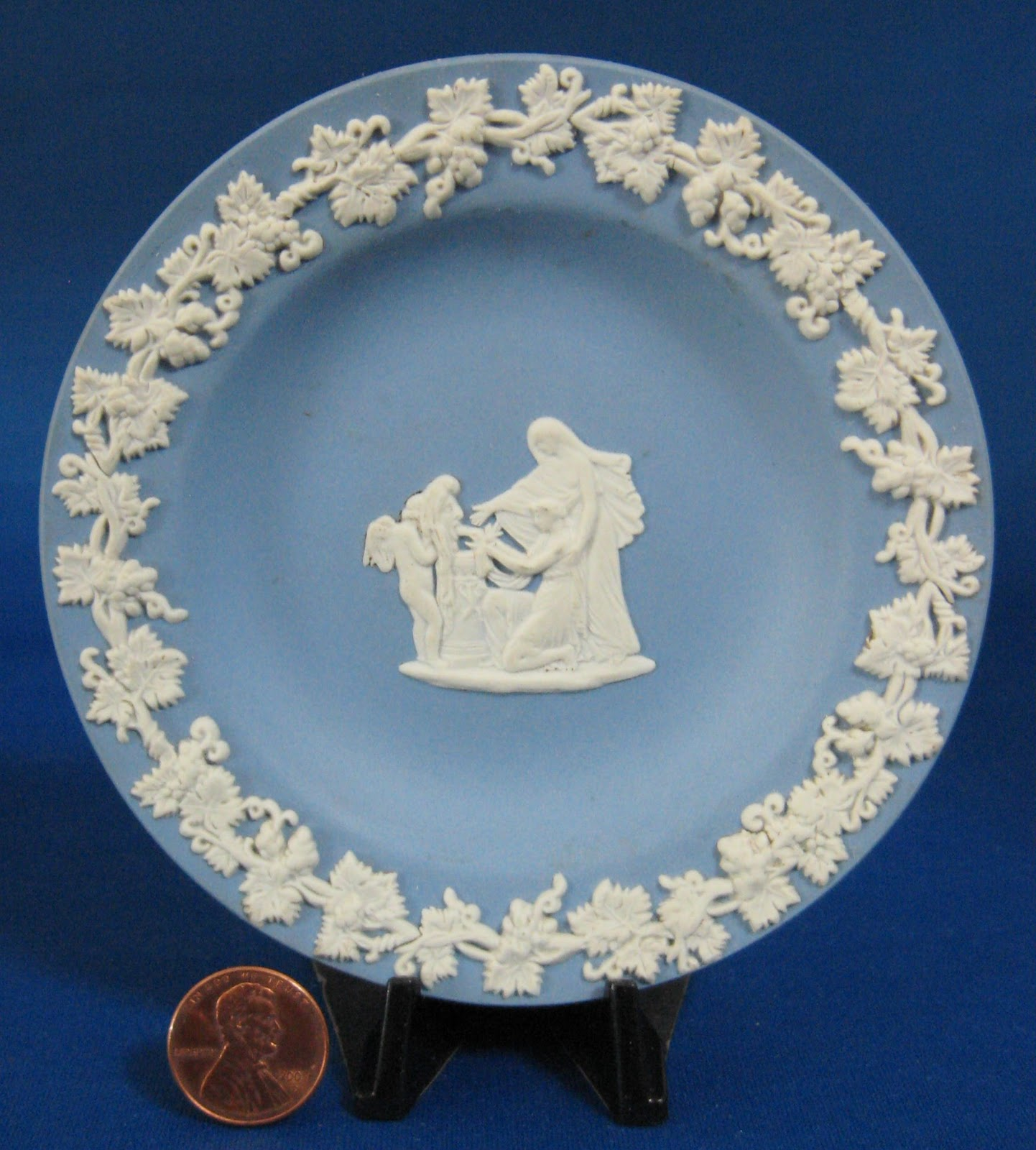 Antique wedgwood jasperware cake ideas and designs Wedgewood designs
