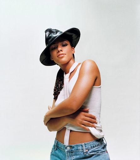 Alicia Keys nude pics