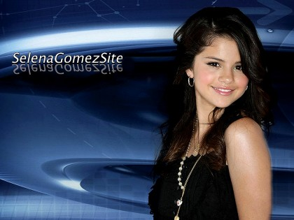 selena gomez wallpaper 2010. selena gomez hot wallpapers.