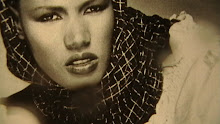 GRACE JONES; STUNNINGLY BEAUTIFUL JAMAICAN MODEL AND ACTRESS