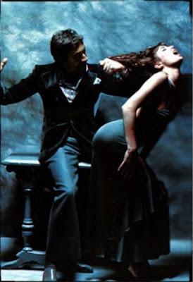 http://2.bp.blogspot.com/_Bs1pXxAZsr0/SiYMqHXZvlI/AAAAAAAAHiQ/XneIXLbm6Us/s400/Serge-Gainsbourg-Jane-Birkin-serie-Lui+131+mode-Le-gris-du-coeur-Lui-decembre-74.jpg
