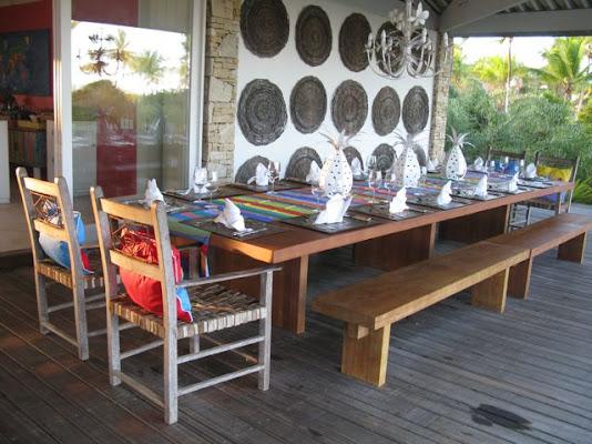 Mesa de jantar para 18 a 20 pessoas