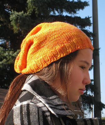 Mom & baby love horses beanie set - Craftsy: Learn It
