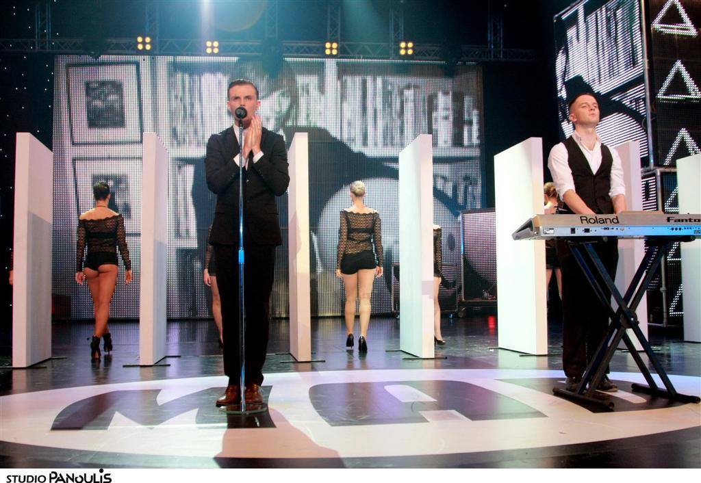 MAD VIDEO MUSIC AWARDS 2010 HURTS - WONDERFULL LIFE N.M.S. (ALPHA)