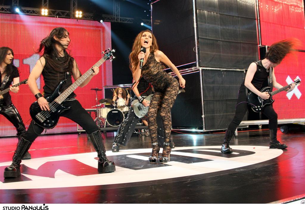 MAD VIDEO MUSIC AWARDS 2010 ΔΕΣΠΟΙΝΑ ΒΑΝΔΗ - ΚΟΜΜΑΤΙ ΑΠΟ ΤΗΝ ΚΑΡΔΙΑ ΣΟΥ N.M.S. (ALPHA)