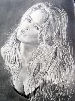 Desenhos de retratos a lápis carvão