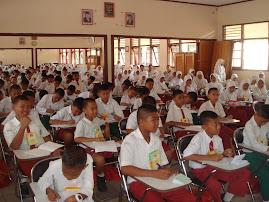 MOS ( masa orientasi siswa baru)