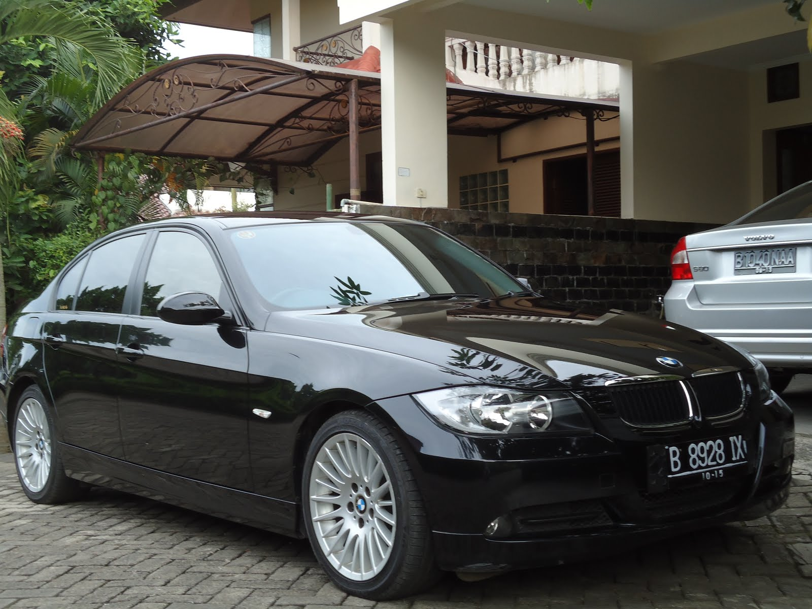 2005 bmw 320i automatic e90 related infomation specifications weili automotive network. Black Bedroom Furniture Sets. Home Design Ideas