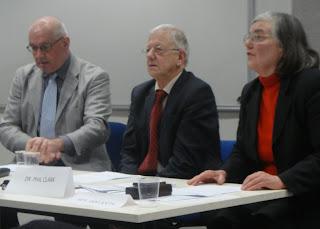 Pembicara Sesi I Dr Albert Kersten, Prof Pieter Drooglever, dan moderator Prof Anne Booth
