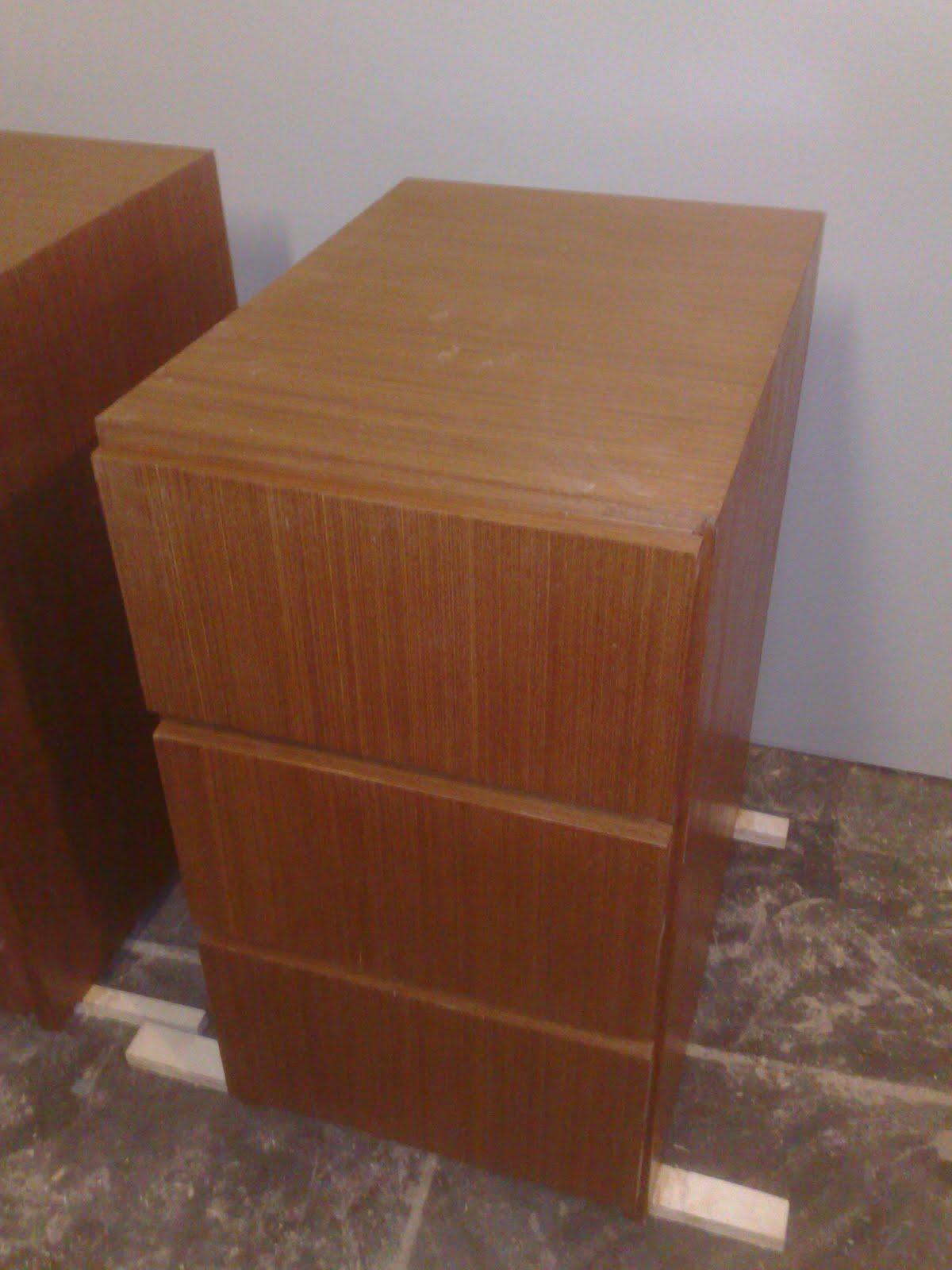 fabricado em 100% Compensado revestido com folha de madeira cor mogno #432518 1200x1600