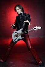 This Is... Paul Gilbert