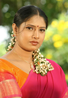 Tamil Hot Aunty Photos