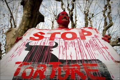http://2.bp.blogspot.com/_C1u2I0D8zxE/SzpQ1bVYyjI/AAAAAAAAAiY/4jLGEONXZIY/s400/Bullfighting+protest+Catalonia.jpg