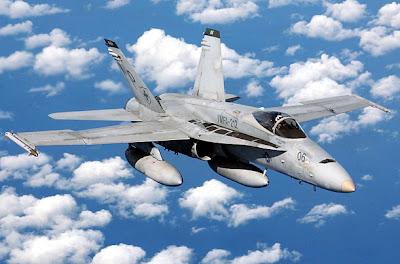 Aviones antiguos y aviones de guerra