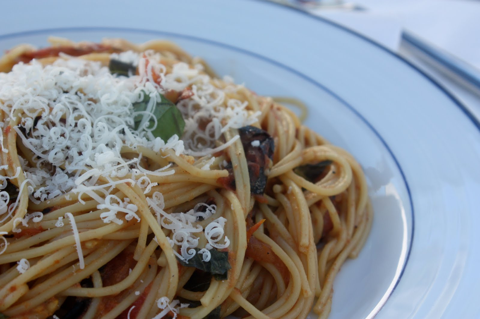 umommy: {Recipe} Grilled Tomato Linguine