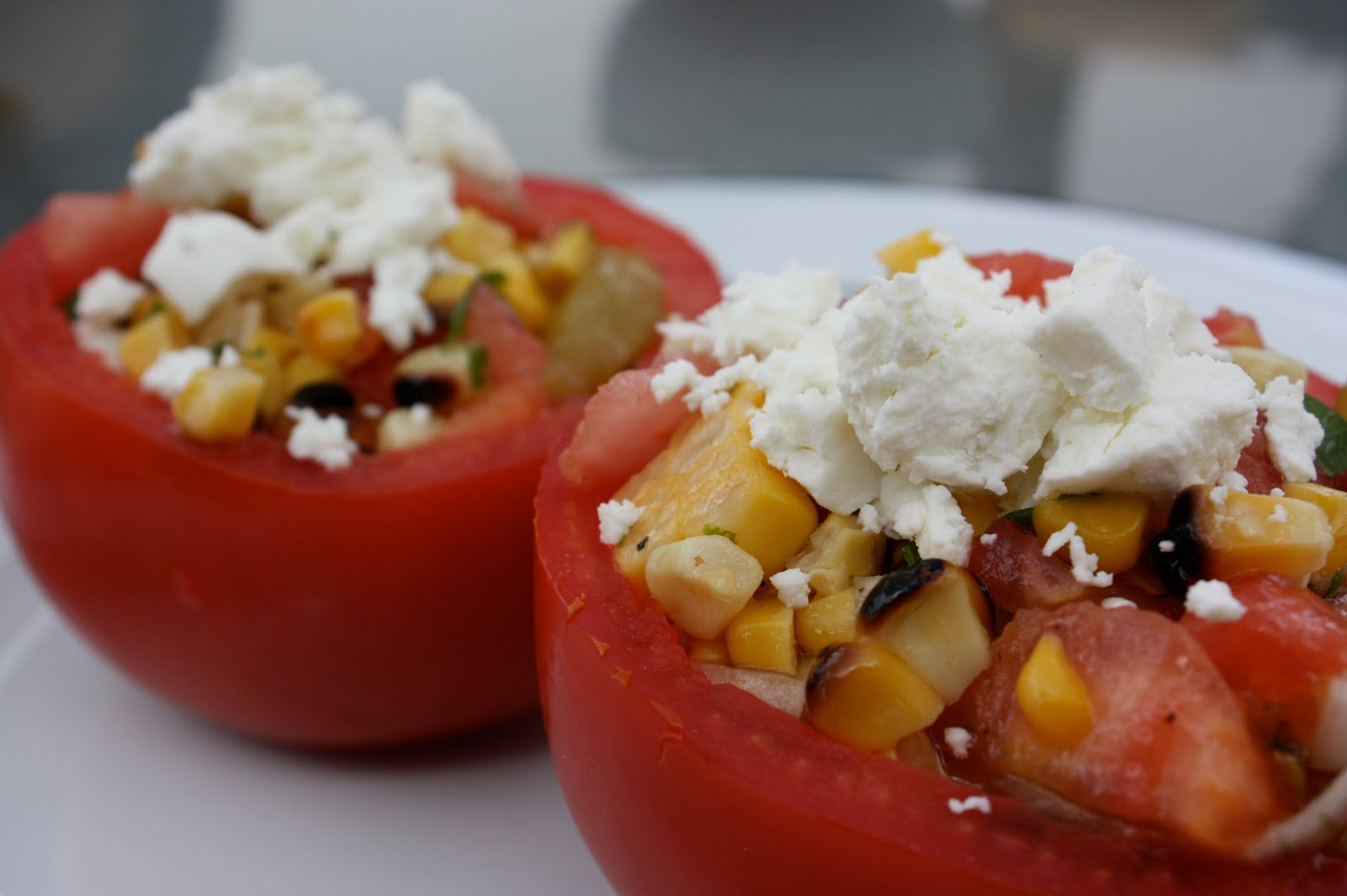 umommy: Stuffed Tomatoes with Grilled Corn