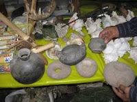 Piezas de cerámica y piedra decomisadas en Mercado Modelo de Chiclayo. Foto: ANDINA / Silvia Depaz
