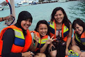 snorkling with friends