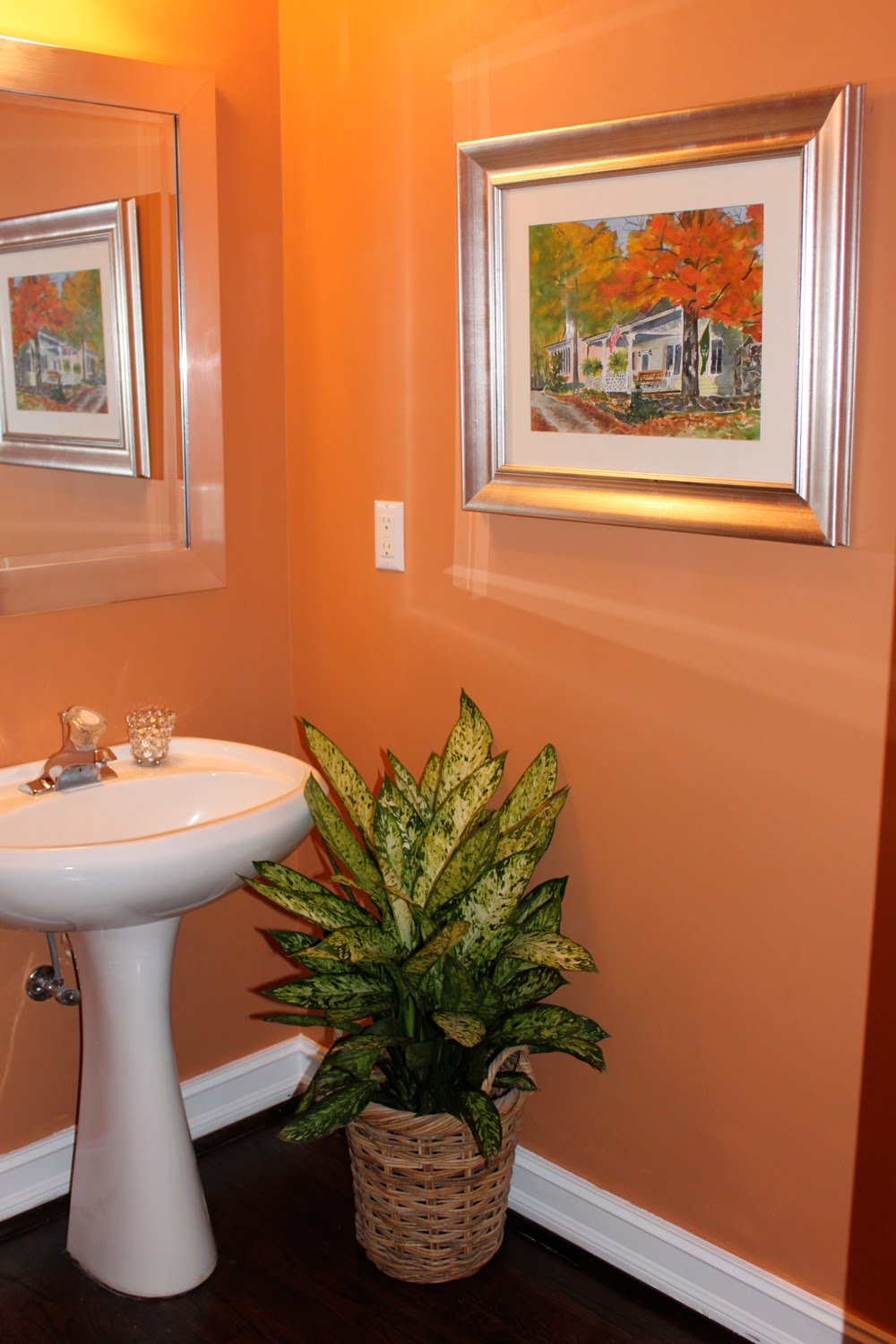 Paintings that Fly: POWDER ROOM UPDATE