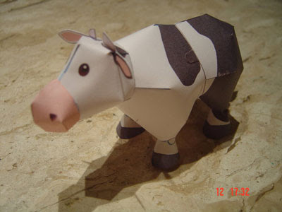 Cow papercraft