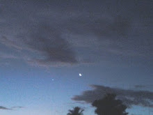 Crescente lunar ao lado de Vênus