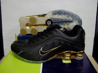nike shox r4 dorados