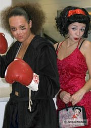 photo de l'evenement halloween deux femmes costumees