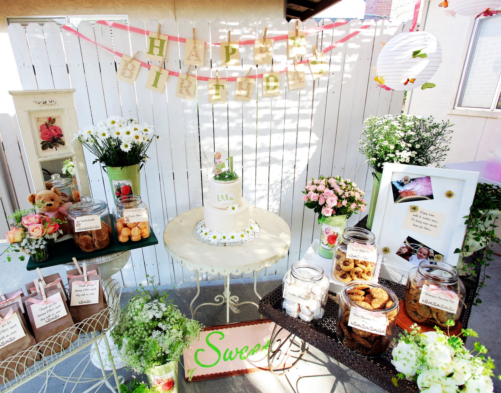Whimsical and Vintage Chic Teddy Bear and Daisy theme First