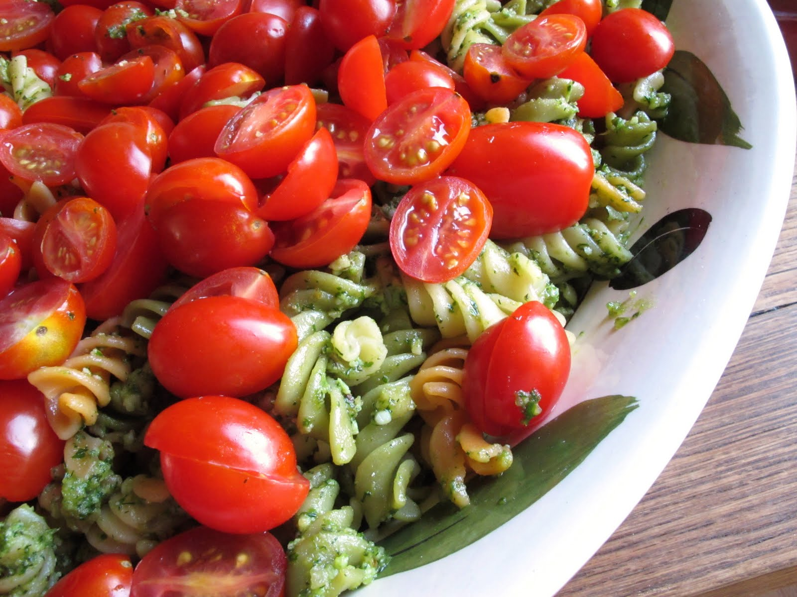 Pasta salad with pesto and cherry tomatoes