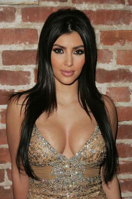 kim kardashian sexy breast