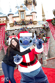 Disney Parks Christmas Day Parade 2010 1 of 6 - YouTube